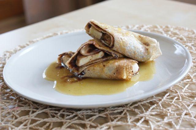 Nie wiesz co zjeść po treningu aby uzupełnić zapasy glikogenu? Chcesz zrobić pyszny i pożywny podwieczorek? Masz wolną sobotę i chcesz podać niekonwencjonalne śniadanie? Polecam proste do wykonania naleśniki z kremem czekoladowym i bananem polane rozgrzewającym sosem (...)