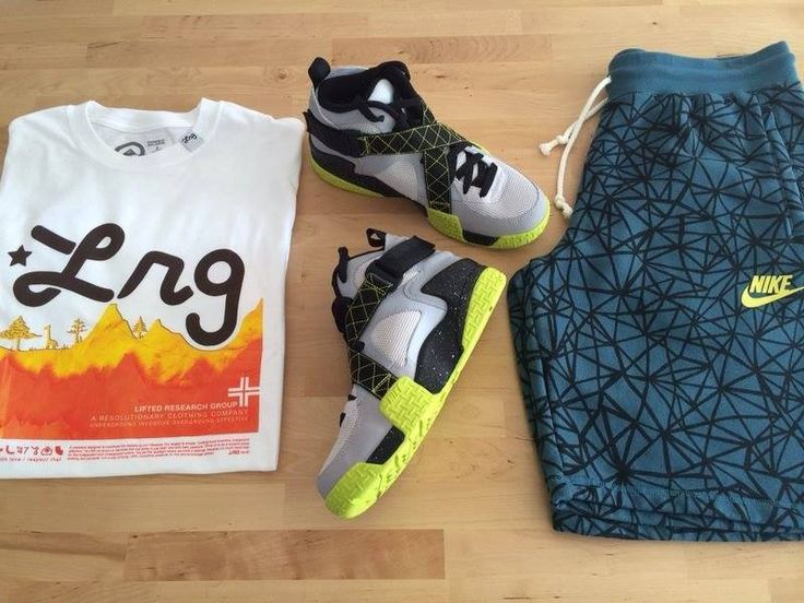 Tinuta Zilei!!! LRG Core Collection Four Tee -  Nike Air Raid Venom Green - Nike AW77 Short-Ru Seasonal Blue -