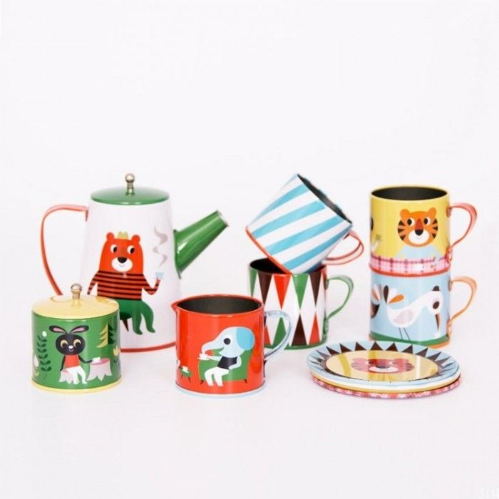 Isn't this tea set is the prettiest, cutest and coolest set around? Get the DISCOUNT CODE |☞ http://petitandsmall.com/the-pippa-and-ike-show-gifts-toys-homeware-kids/