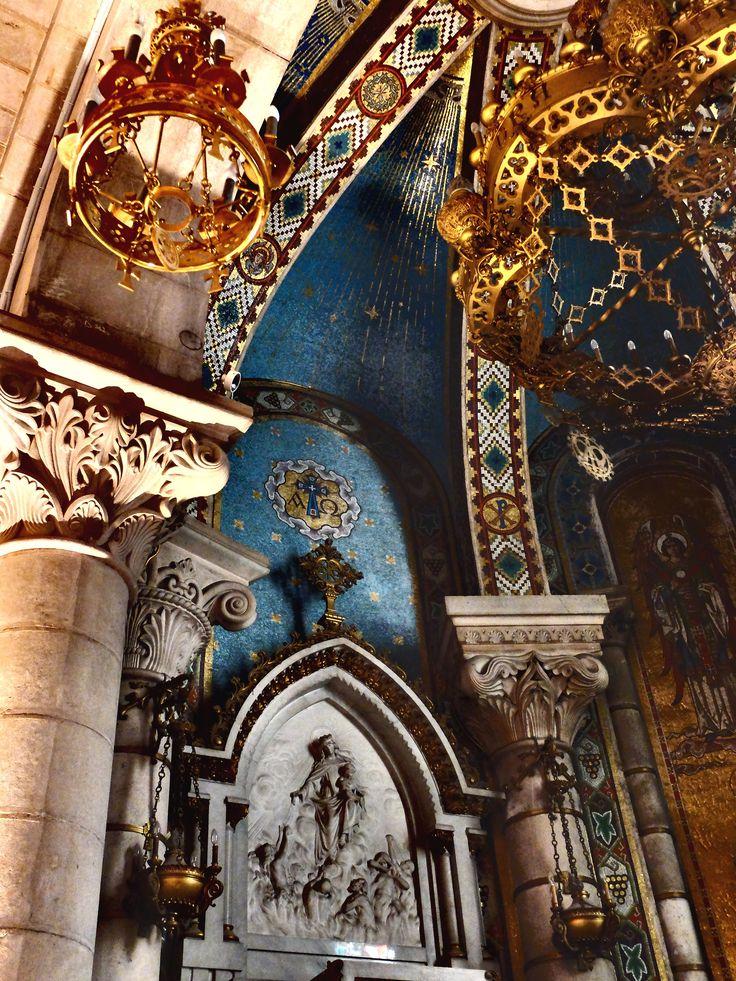 Cripta. Capilla de la Virgen de Vallivana .El arquitecto fue Repullés y  Vargas