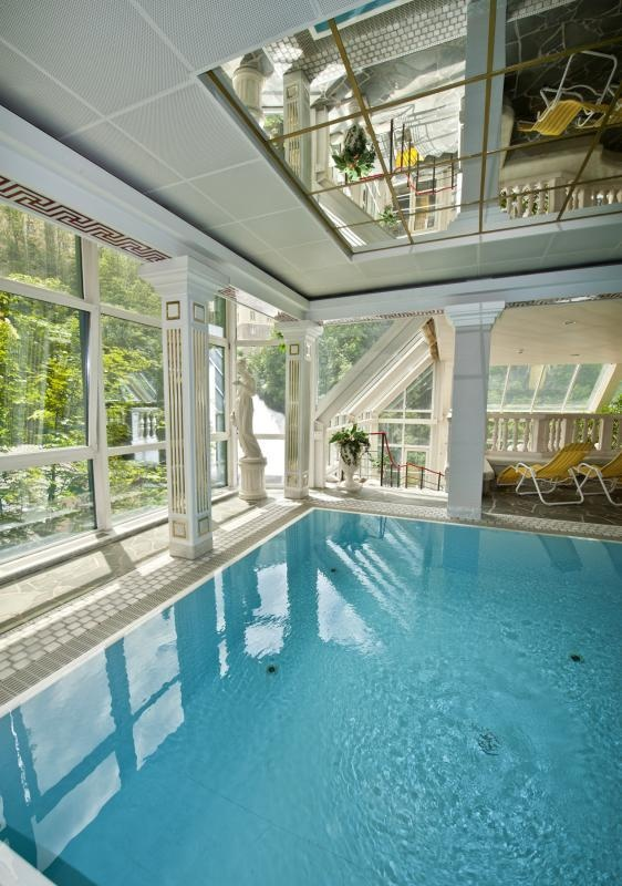 """CORDIAL SANOTEL Bad Gastein is located right at the famous Gastein waterfall. Activities and a rich """"Health and Wellness"""" program match together.The main house and the residence on the Kaiser Promenade invite you to spend a marvellous holiday in Bad Gastein."""