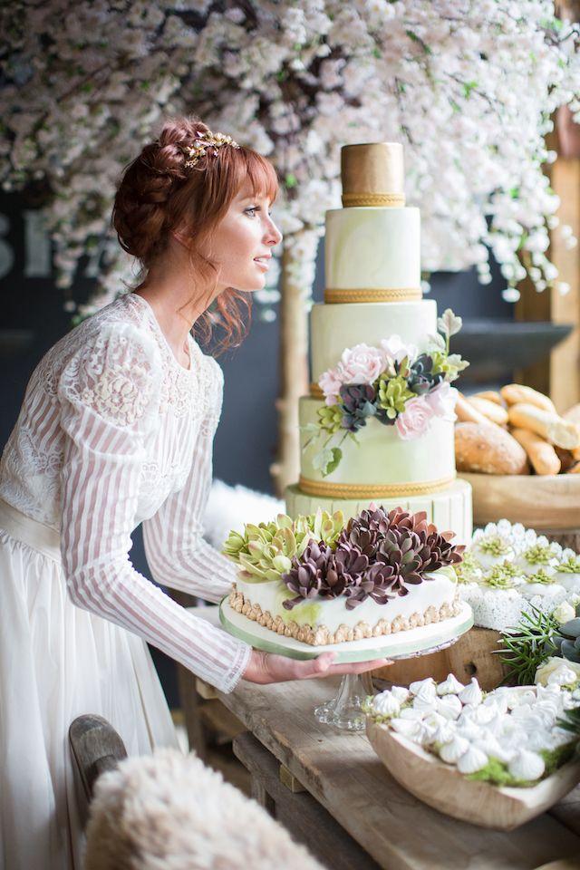 Succulent wedding cake | Cecelina Photography
