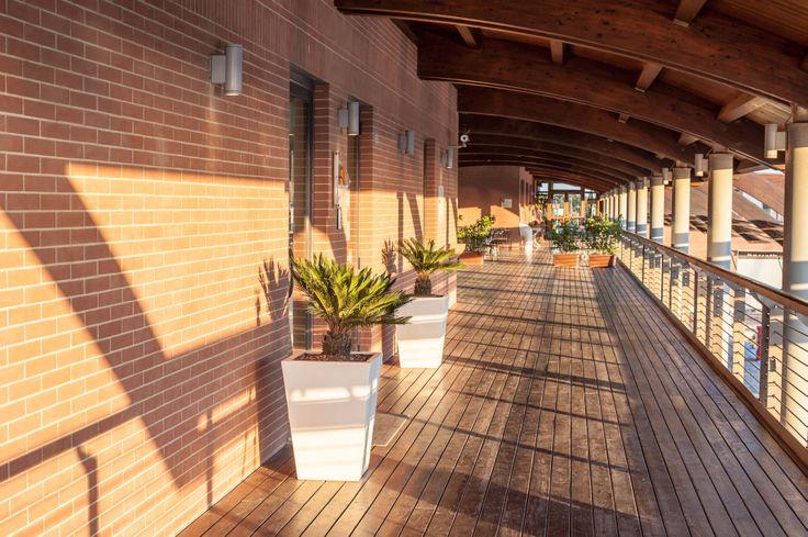 L'ingresso agli uffici del Porto della Maremma