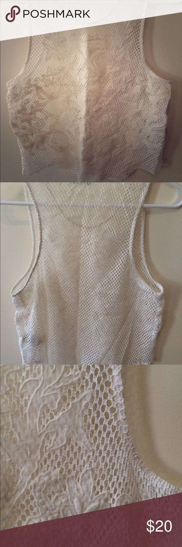 Kimchi Blue nwot lace crop top size M Cream colored net sleeveless crop top with lace embroidered details... Would look so cute over a bandeau or swimsuit top. Bought new from UO last spring. Kimchi Blue Tops Crop Tops