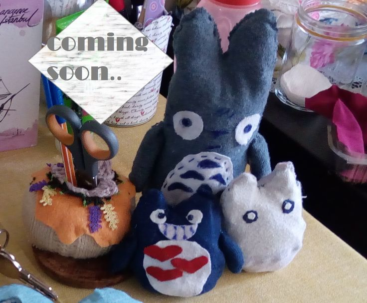 -1. Bölüm-    Çoraptan Totoro Oyuncakları         Totoro, Hayao Miyazaki'nin en ünlü animelerinden biri. Ben anime izlemeyi çok severim....