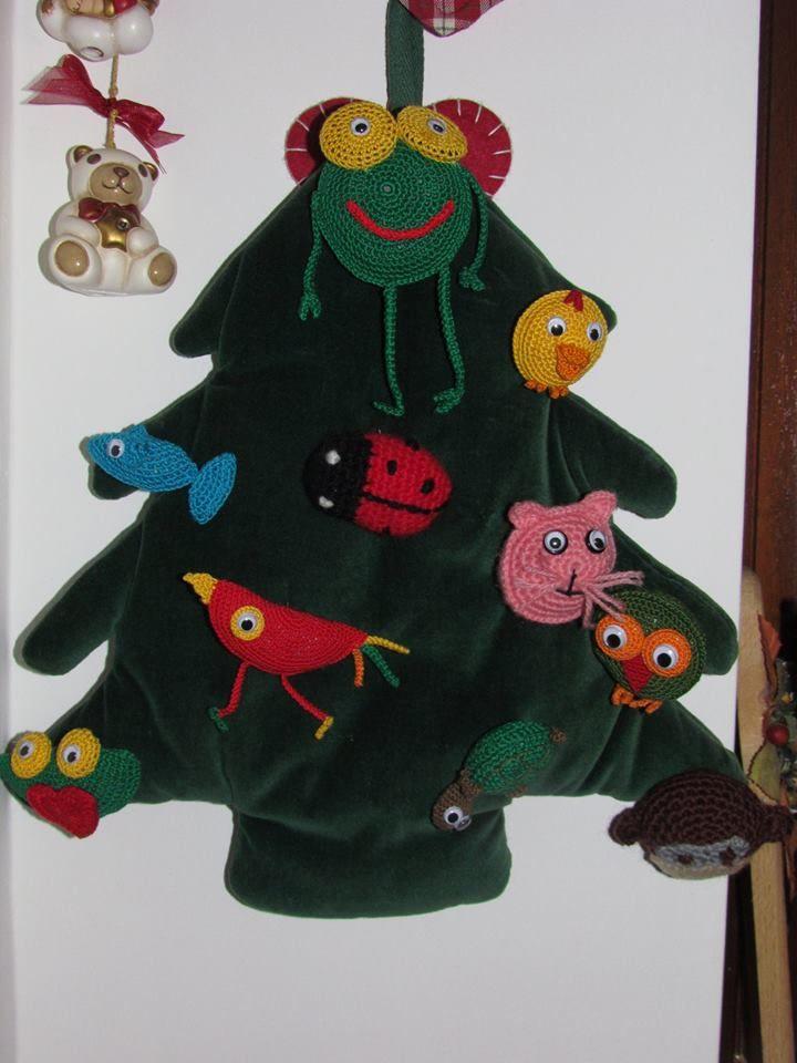 Albero di Natale,con animali fatti all'uncinetto