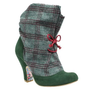 These with some skinny jeans would make me strut. Marshmallow Mountain | Irregular Choice