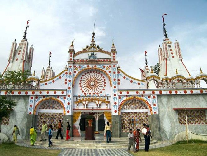 A must visit place in Jalandhar, Devi Talab Mandir is dedicated to Goddess Durga and is believed to be at least 200 years old.