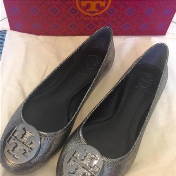 Tory Burch ballet slipper New in box Tory burch Reva flat size 8 color  pewter Tory