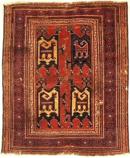 Tibet Grubu Selçuklu Halıları:     Avrupa resminde Anadolu halılarının görülmesi 14.yüzyılda İtalyan ressamlarla başlar ve eski hayvan figürlü halılar adı ile tanınır. Son yıllarda yapılan araştırmalarla keşfedilen ve Tibet Grubu olarak nitelenen ve 12-14. yüzyıllar arasına tarihlendirilen 5 adet Anadolu Selçuklu halısı tespit edilmiştir