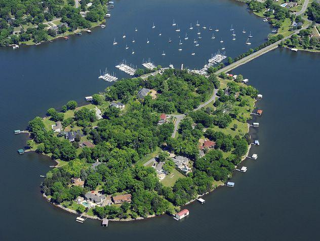 Life At The Lake Adventure Travel Explore Lake Water Vacation