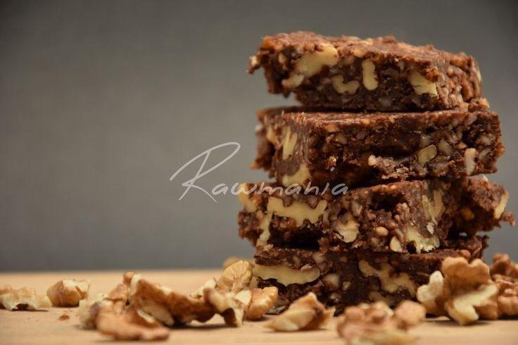 BROWNIES S VLAŠÁKMI (vlašské orechy, mandle, datle, kakao)
