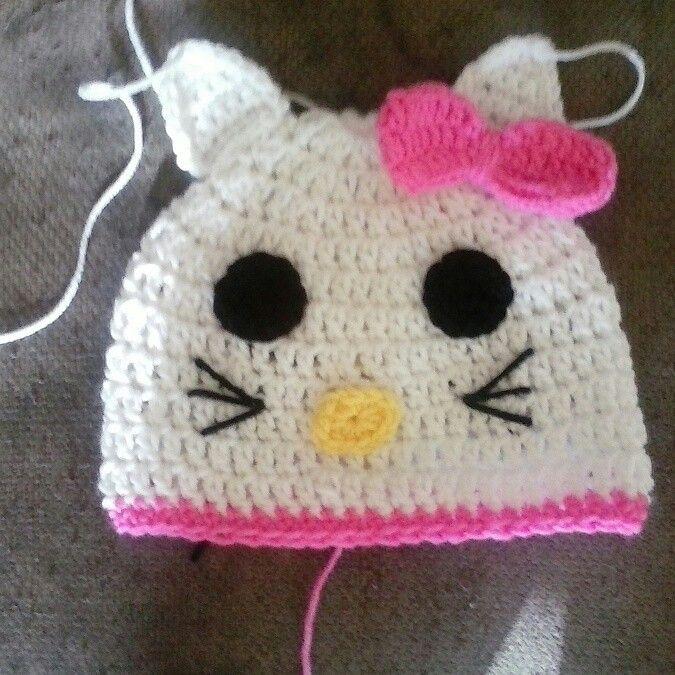 My first crochet hello kitty hat