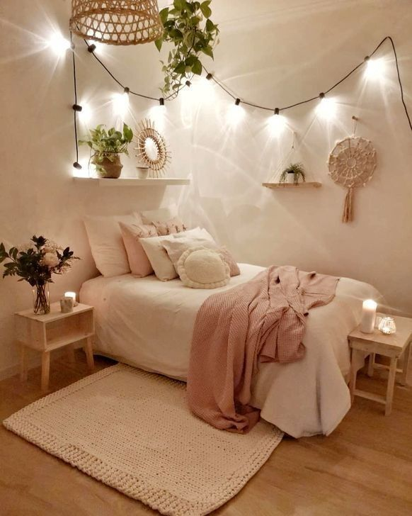 aesthetic girl rooms - Google Search in 2020   Small ...