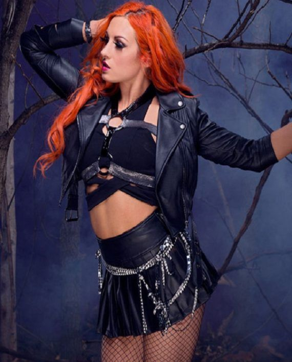 becky-lynch-black-jacket-4