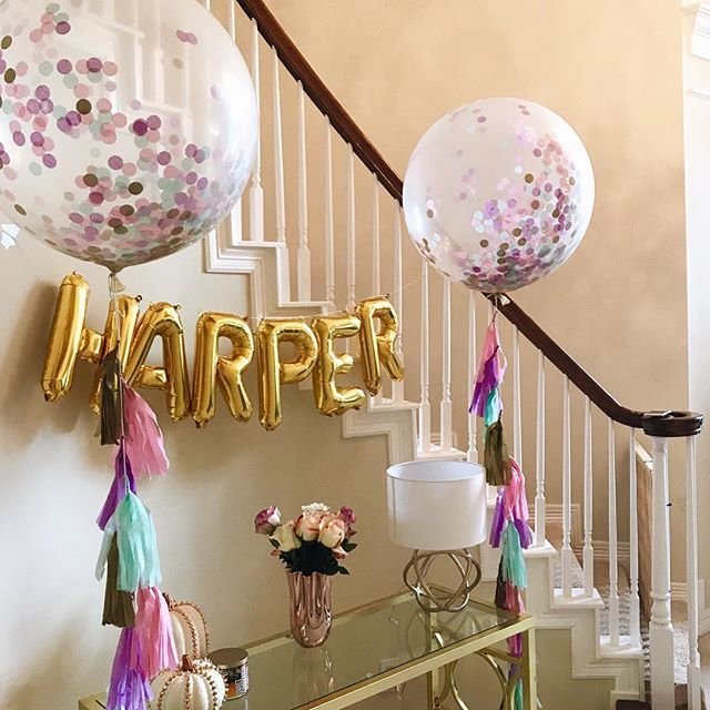 Love these balloons and the tassels too.