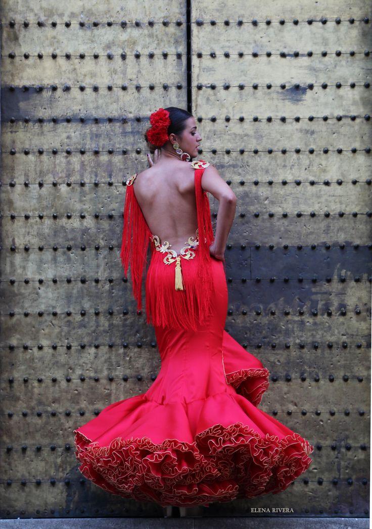 ANDREW POCRID · Moda Flamenca por Elena Rivera vía Mamá de Mayor Quiero Ser Flamenca.