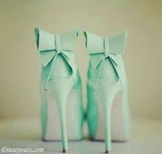 Adorable heels and attractive color with bow on back | Fashion World