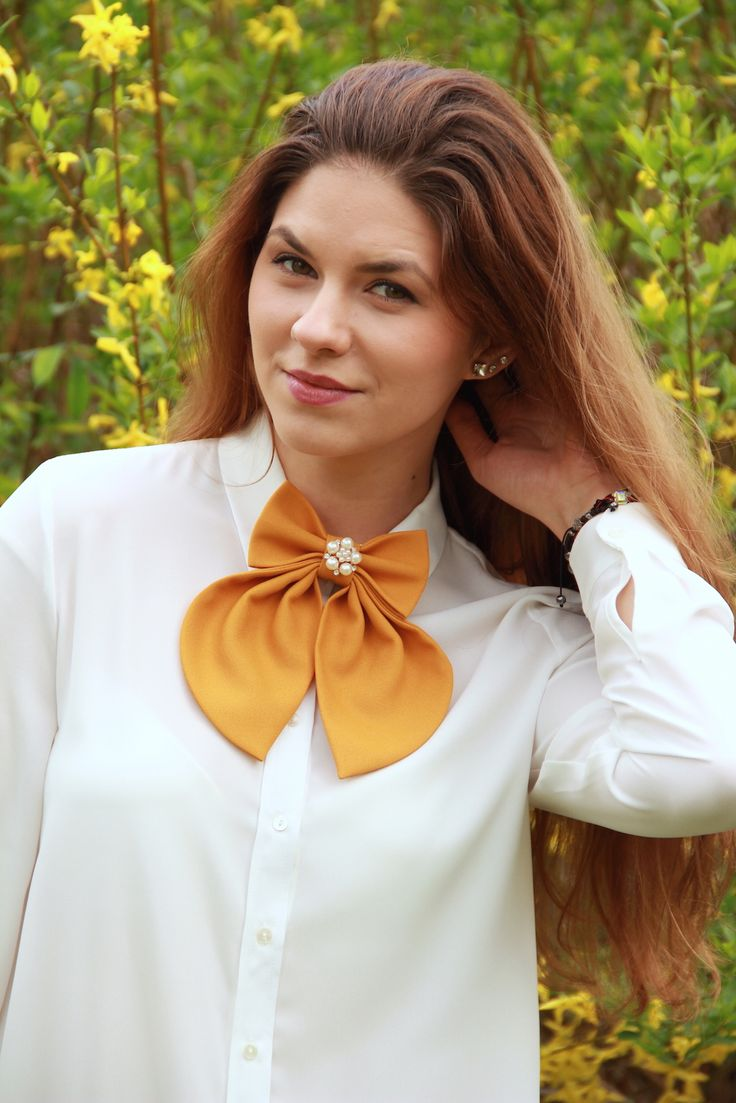 Keep calm and wear bow ties! With an extremely feminine design and a sweet color that makes you think about the beautiful warm august evenings, this gorgeous bow tie is definitely your choice when it comes to unique accessories that make you look and feel amazing. Extremely versatile and created from a soft fabric that feels great at the touch, this beautiful bow tie is the right choice every time. #bowties #fashionstyle #BowsByVaniaSzasz http://ebay.to/1spaons
