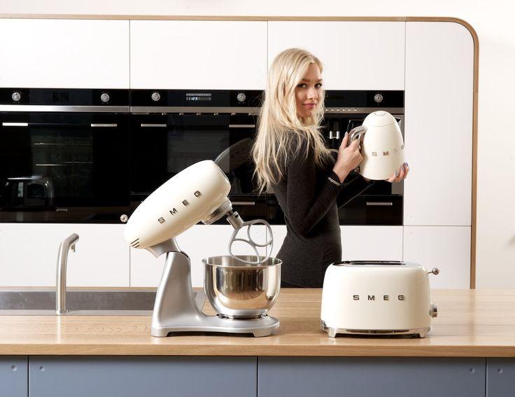 Kitchens, Kitchens Design, Appliances, Cream Toaster, Cosy Kitchens