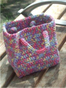 Craft in progress: crocheted gift bag, completed! | Crafty Crafty