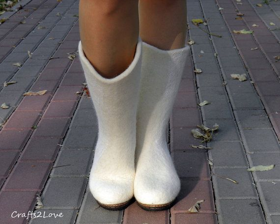 Free shipping White wedding boots felted winter by Crafts2Love