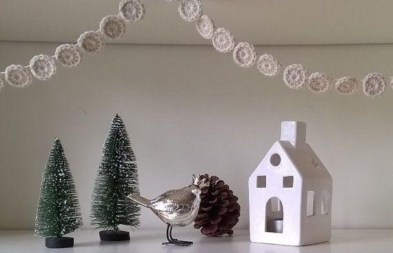 Crochet Christmas Garland White Circles by AGirlNamedMariaDK