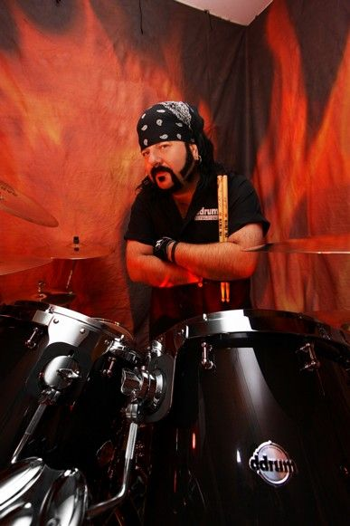 | Vinnie Paul makes surprise switch to ddrum |