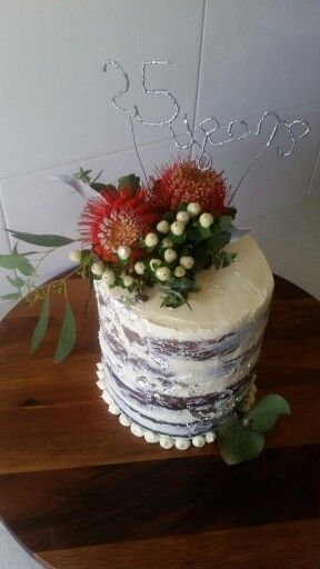 Silver leaf. Butter cream. Native flowers.
