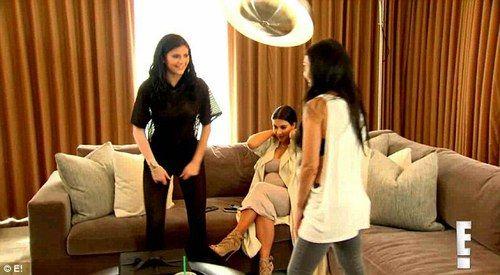 Imagen de kim kardashian, kourtney kardashian, and kylie jenner