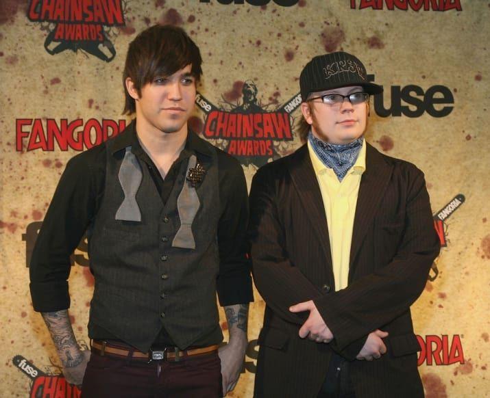 A linha do tempo definitiva dos chapéus que Patrick Stump do Fall Out Boy já usou