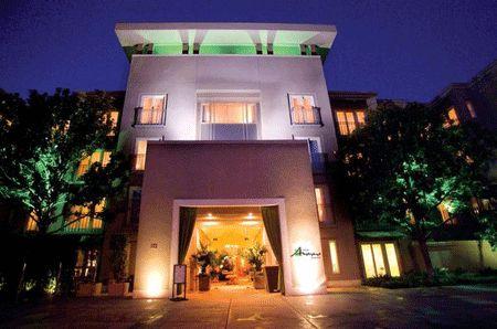 Top 10 Hotels near Universal Studios Hollywood