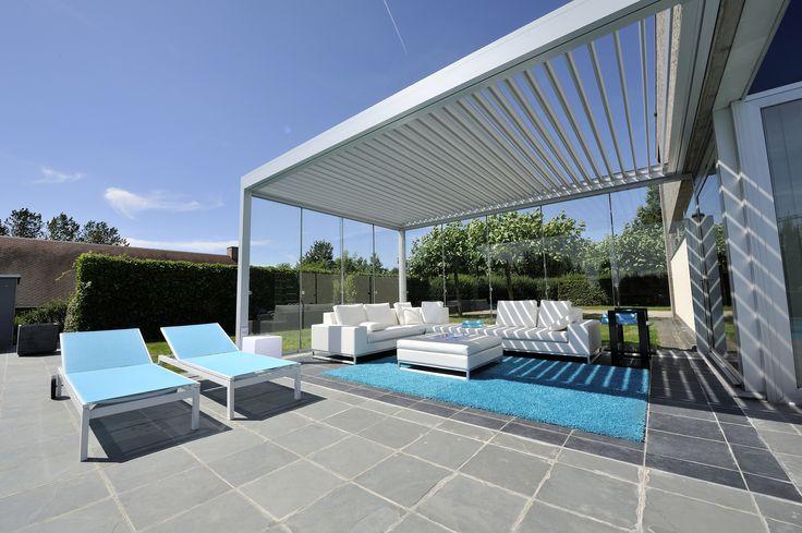 Lamellendach als Sonnen- und Regenschutz...www.scaffidi.de