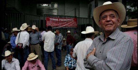 Campesinos realizan plantón en oficinas de Sagarpa en Morelos