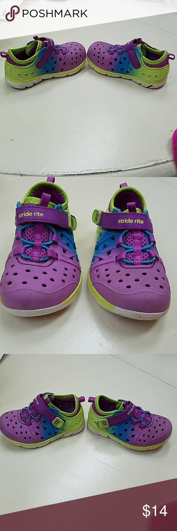 Stride Rite M2P Phibian Shoes Size 6. Good condition with the exception of some dirt throughout.  These wash easily and could probably be thrown in the machine to clean up better. Worn a handful of times towards end of summer. Smoke free home. Stride Rite Shoes