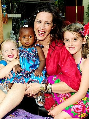 Joely Fisher and her girls.