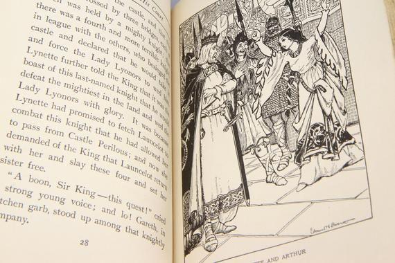 The Legends Of King Arthur Frances Nimmo Greene Antique Etsy Legend Of King Victorian Era Literature Antique Books