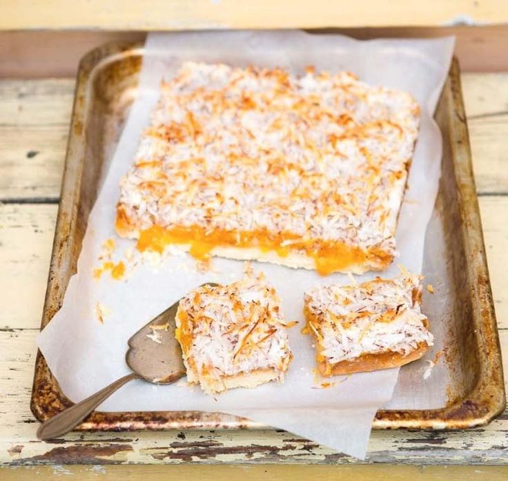 Kokosovomeruňkové řezy (www.albert.cz/recepty)