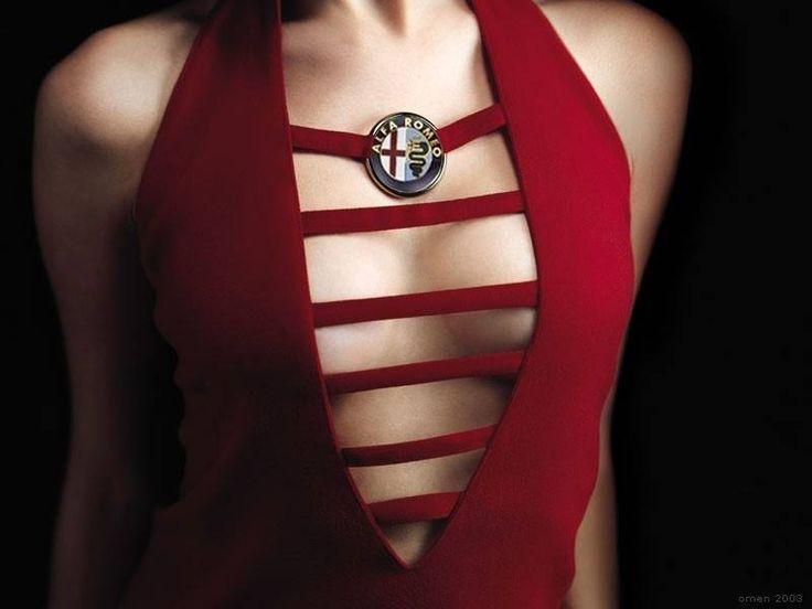 Alfa Romeo życzy udanego Dnia bez stanika!