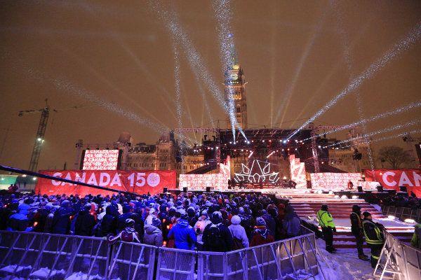 Canadá - Destino de viaje 2017 Una cita con la Historia  Los canadienses celebran este año su 150 aniversario como Estado Confederado con centenares de actos de conmemoración a lo largo y ancho de este bellísimo país, uno de los más carismáticos del mundo en estos momentos. Puedes descubrirlos todos en #Canada150 y por supuesto, y mucho más recomendable, in situ.