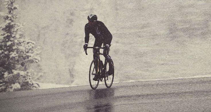 Anda meio desanimado com os treinos ou com os pedais que anda fazendo por aí? Nesse vídeo eu dou algumas dicas que podem te ajudar a dar aquele up nos treinos de bike!    Não se deixe abalar nos treinos de bike, por isso seguem as dicas:   #bike #bike movies #ciclismo #ciclismo de estrada #competição de mtb #dicas de bike #dicas de como pedalar #dicas de pedalada #mountain bike #MTB