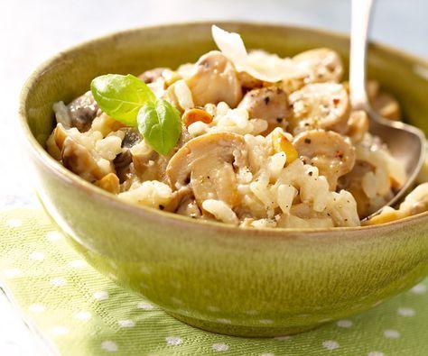 Préparez un risotto aux champignons onctueux et au parmesan   Recette   Risotto champignons ...