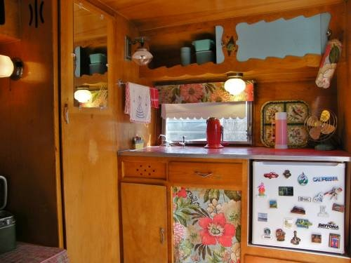 Campers For Sale In Louisiana >> 17 Best images about Light Weight Travel Trailers on Pinterest   Canned ham, Trotter and Vintage ...