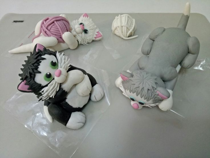 Pussy ornaments... Made from fondant