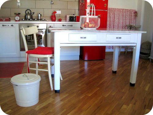 Oltre 20 migliori idee su tavoli di marmo su pinterest - Tavolo lavoro cucina ...