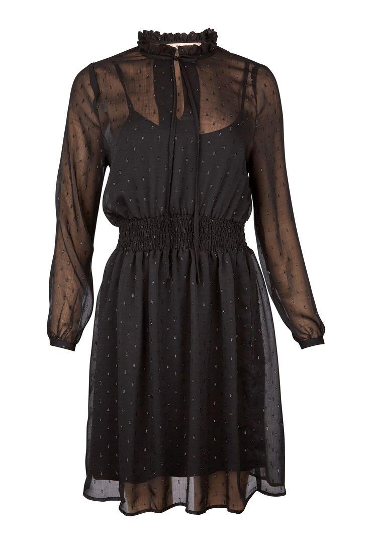 ny kjole fra RUE de FEMME