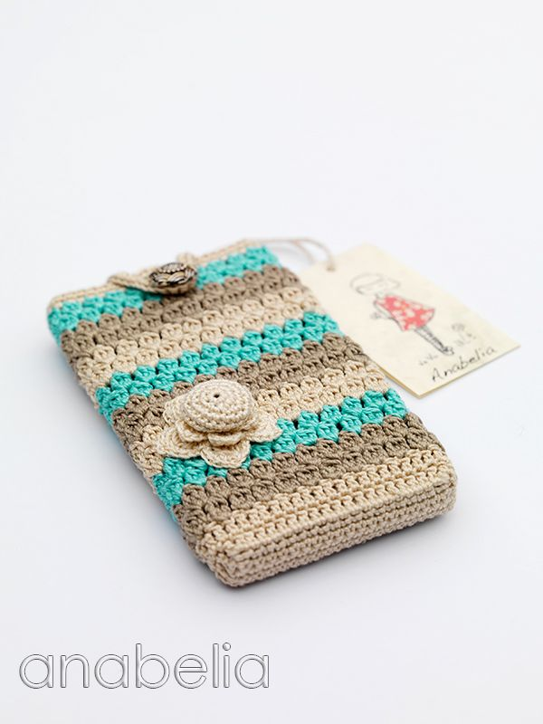 Smart phone crochet cover...Cute ~ my phone needs one!