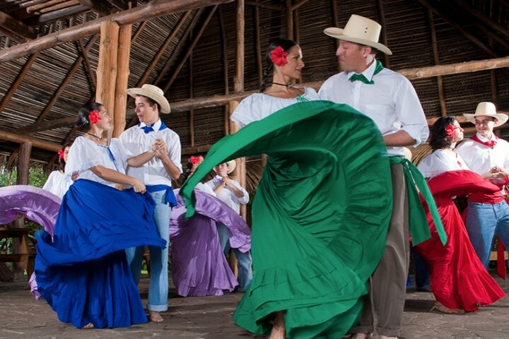 Costa ricas traditional danceclothing costa rica