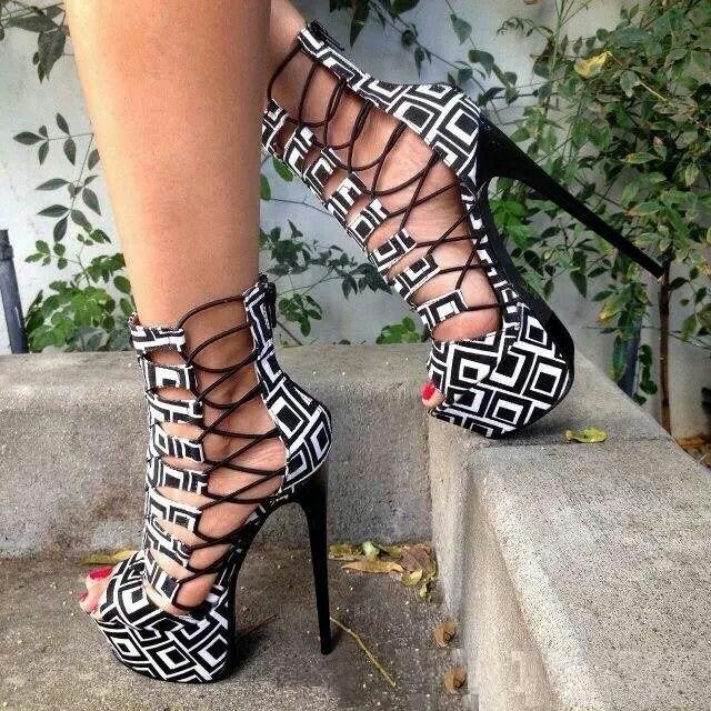 HOT!  #heel