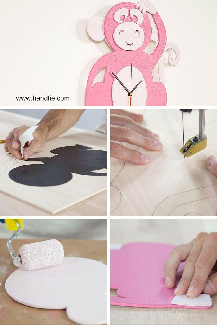 Aprende a crear un reloj de madera utilizando una sierra de marquetería. Para sorprender a los más peques, puedes elegir las formas de animales o figuras que más les gusten.